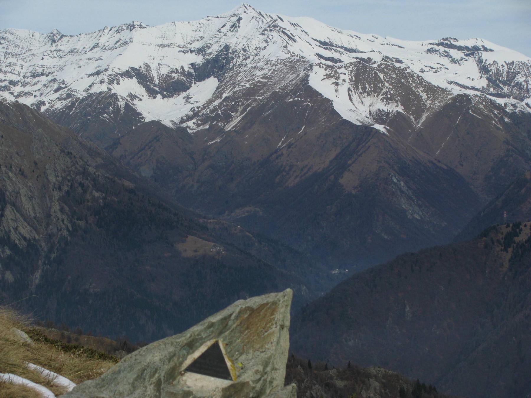 Dall'Arbella, panorama sulla Rosa dei Banchi