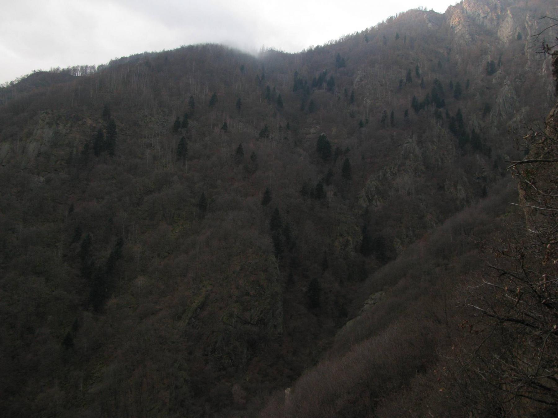 L'aspro vallone di salita delle Comunasse