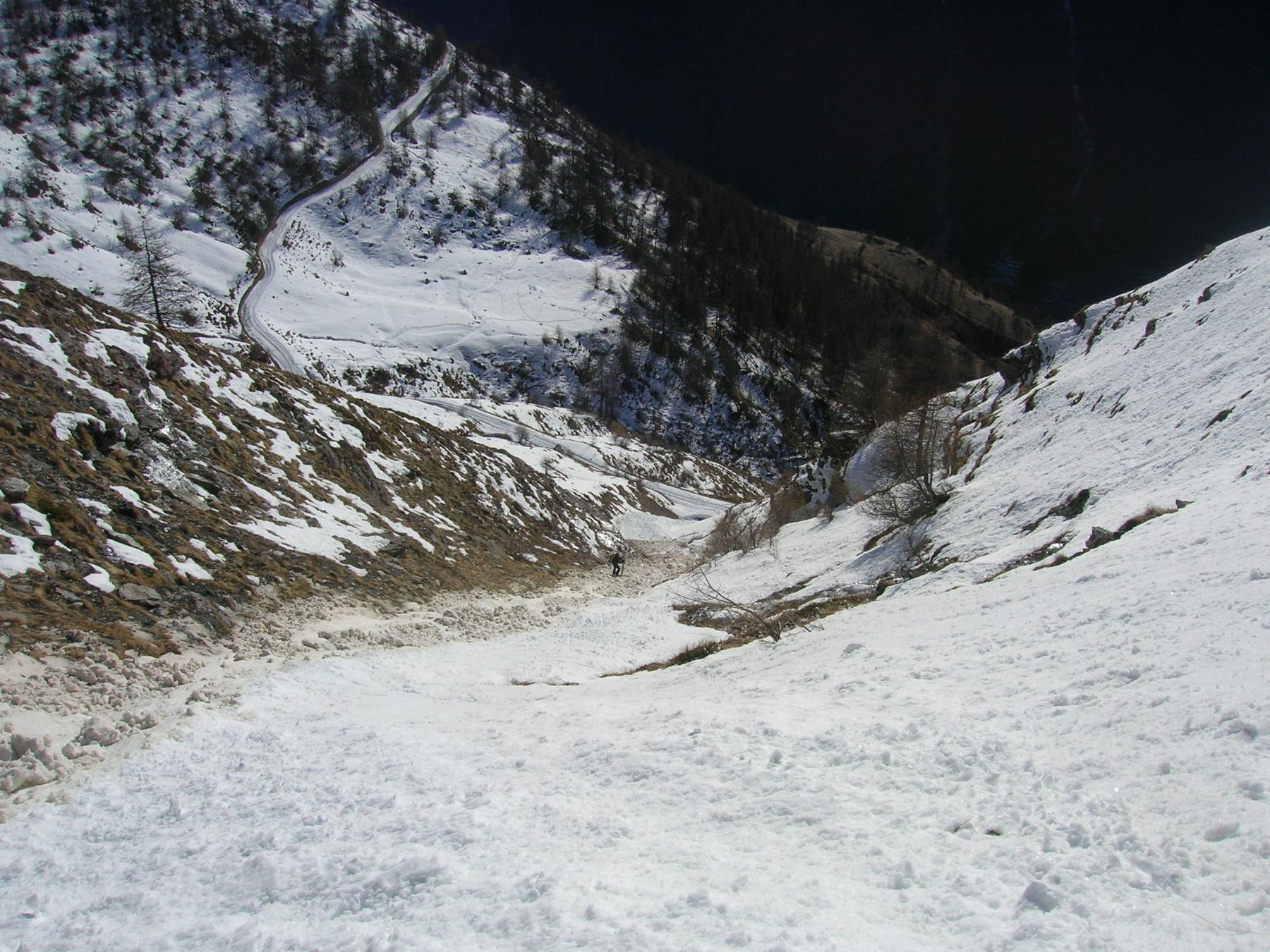 Il canale svalangato al termine della parete