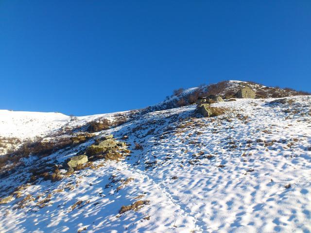 alpe Oraccio con dietro/soprastante cima delle Balme