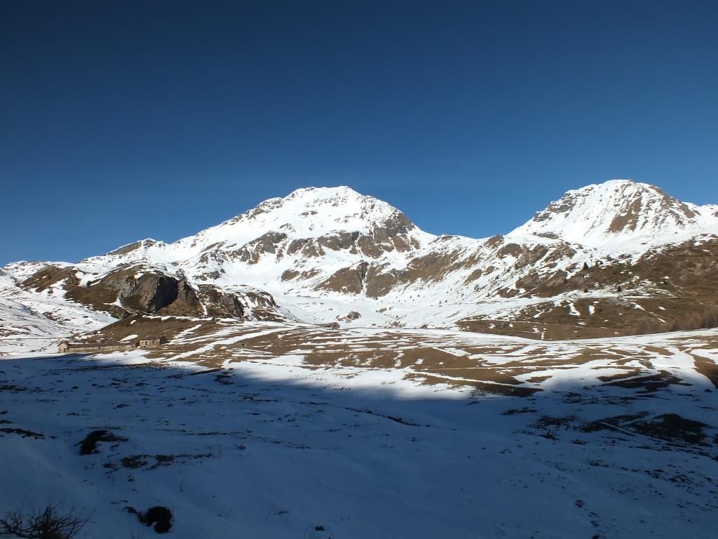 Prima neve all'alpeggio