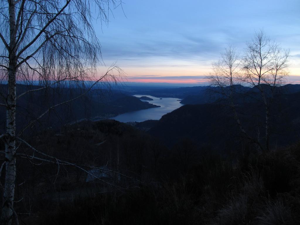 Tramonto sul lago d'Orta dal Monte Zuccaro
