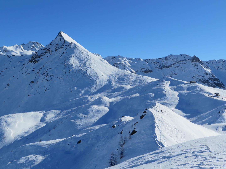 dalla cima la cresta verso il santuario