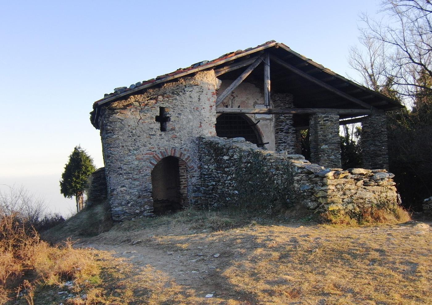 Chiesa romanica anno 1000, sul Monte S.Giorgio