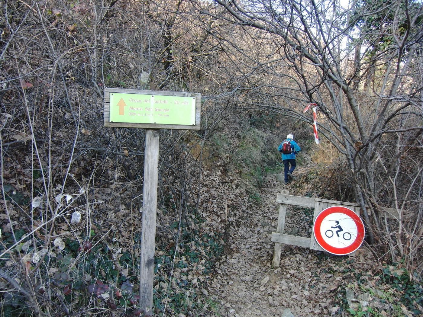 Inizio sentiero sopra San Vito