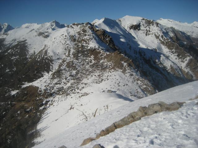 vista dal monte Ziccher alla bocchetta di S.antonio e cresta per il Formalone e Sassone