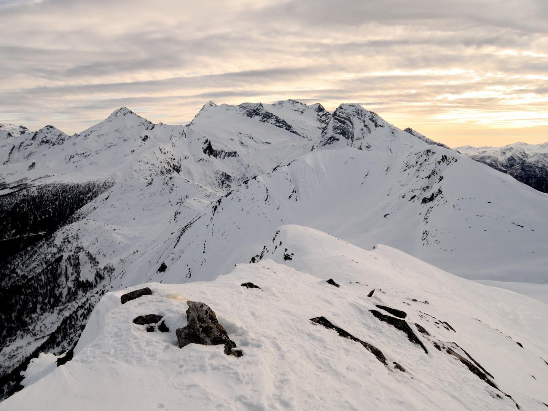 Tochuhorn dalla cima dell'Ärezhorn con Leone e Breithorn sullo sfondo