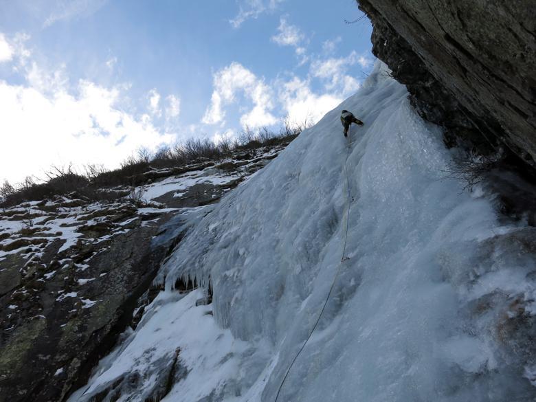 Alessandro sulla cascata centrale