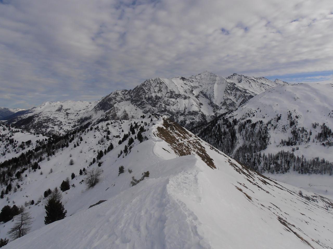 03 - la cresta verso il Begino e la partenza per la discesa sul versante nord