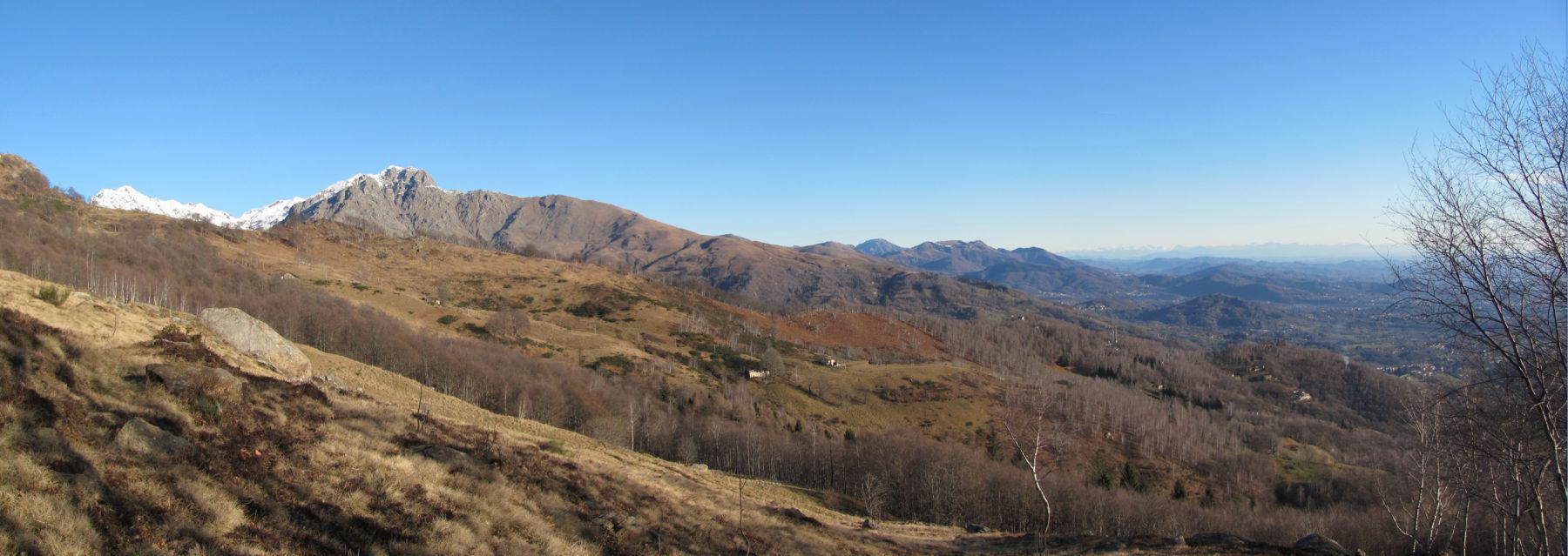 Panorama verso il Mucrone e la valle Elvo