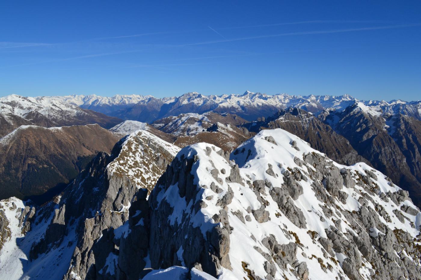 panorama dalla cima verso l'Adamello