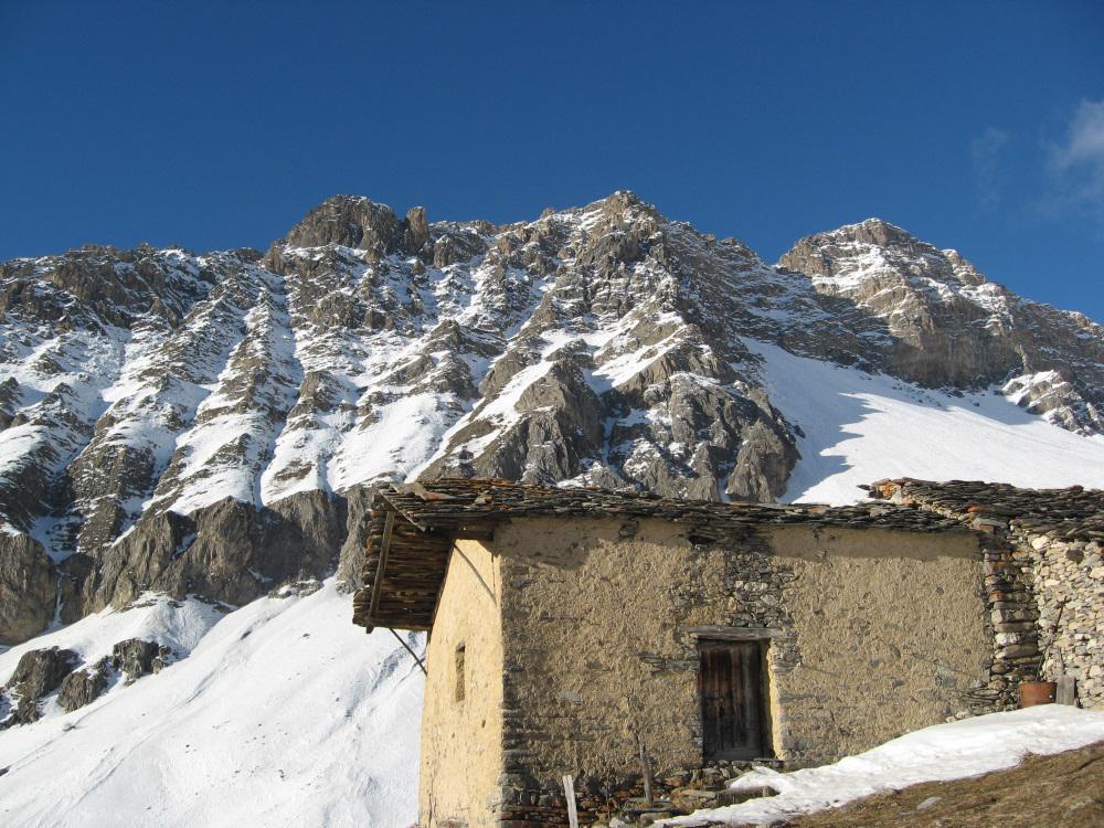 Le pareti del Bouillagna e le grange Mirone inf.