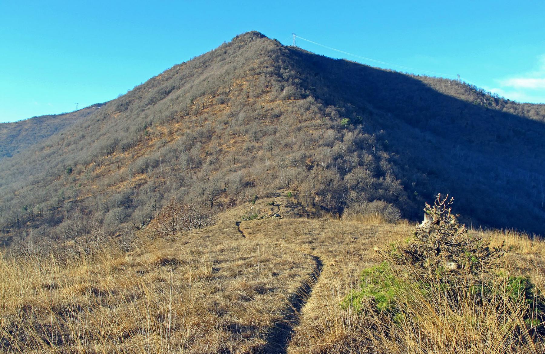 La cresta oltre il Monte Calvo