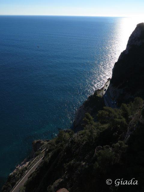 Vista sul mare sottostante dal terrazzino dell'Eremo