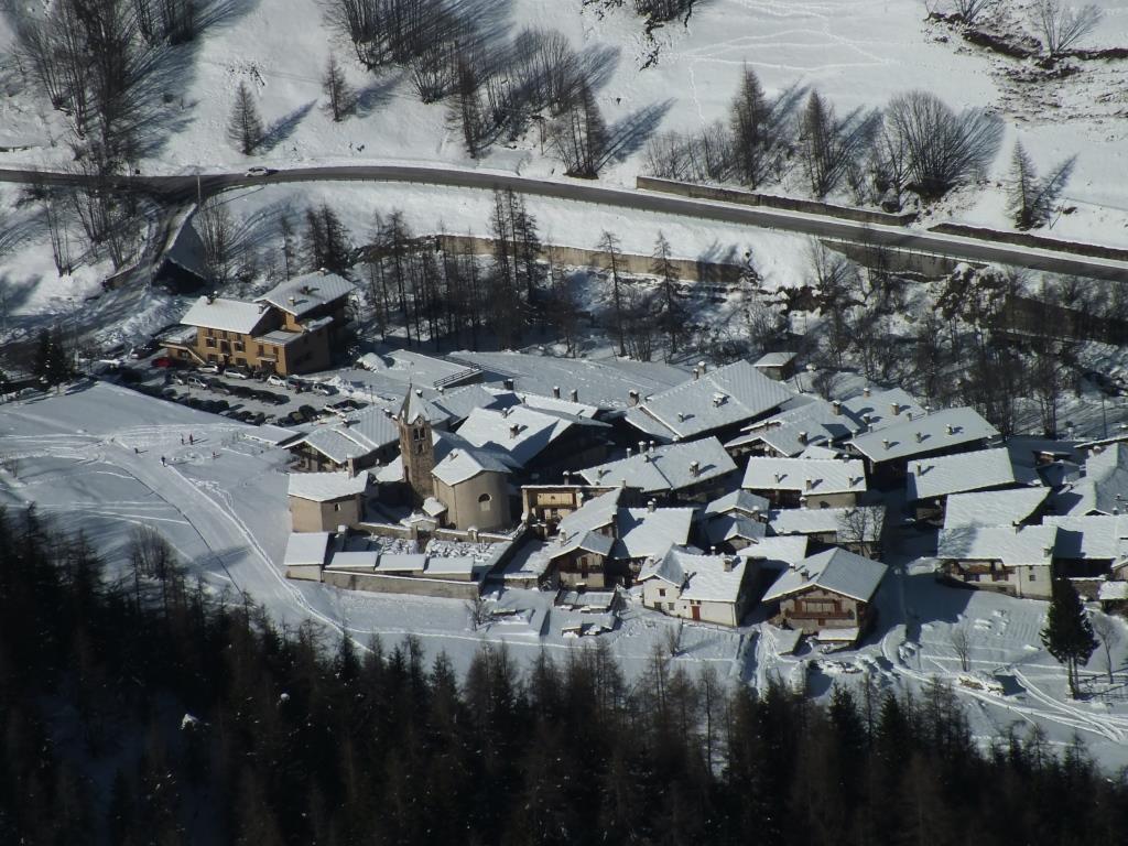 Chiesa di Bellino dalla vetta