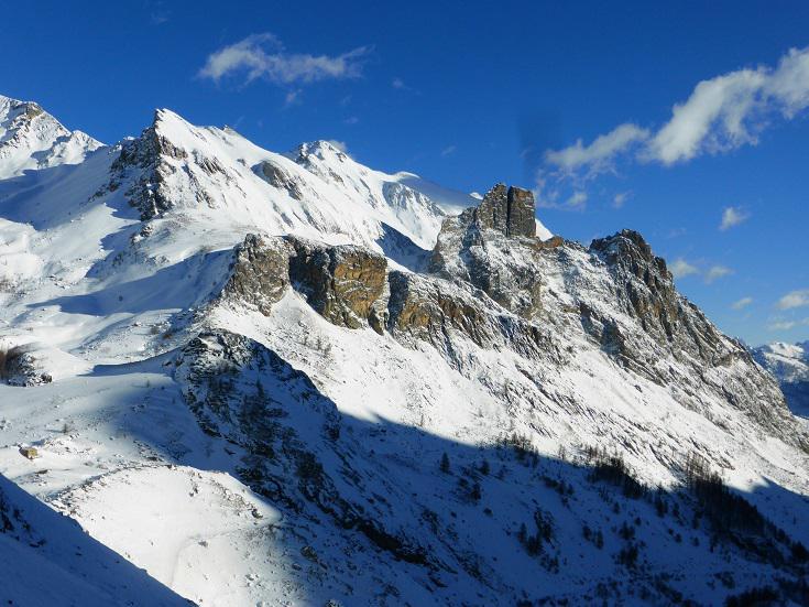 ...gruppo Castello Provenzale e Monte Eighier