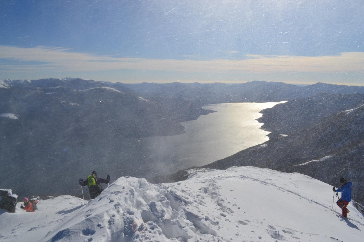 bufera in cima e vista sul lago