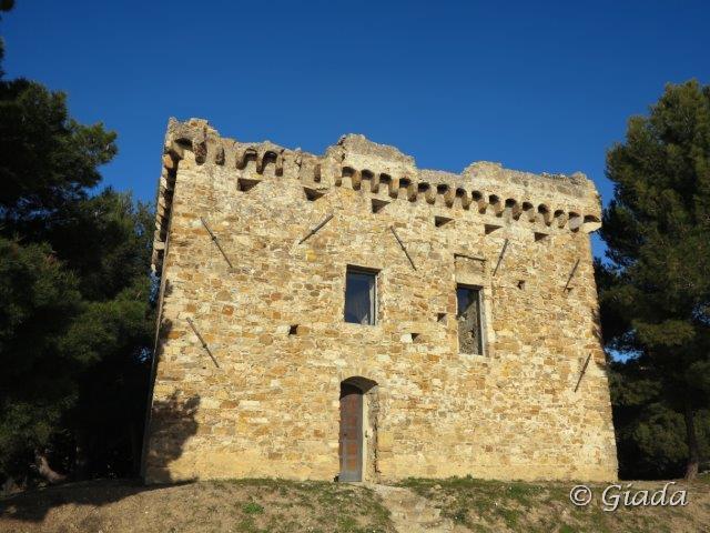 La torre Gallinaro sopra Cipressa