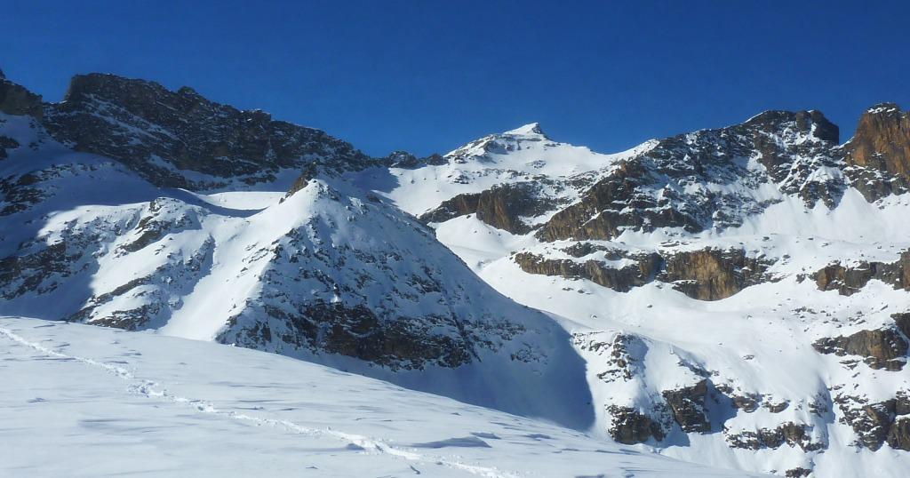Punta della Gardetta in primo piano, dietro La Lausa, Rocca la Marchisa , Pic delle Sagnares e una puntina di Gialeo