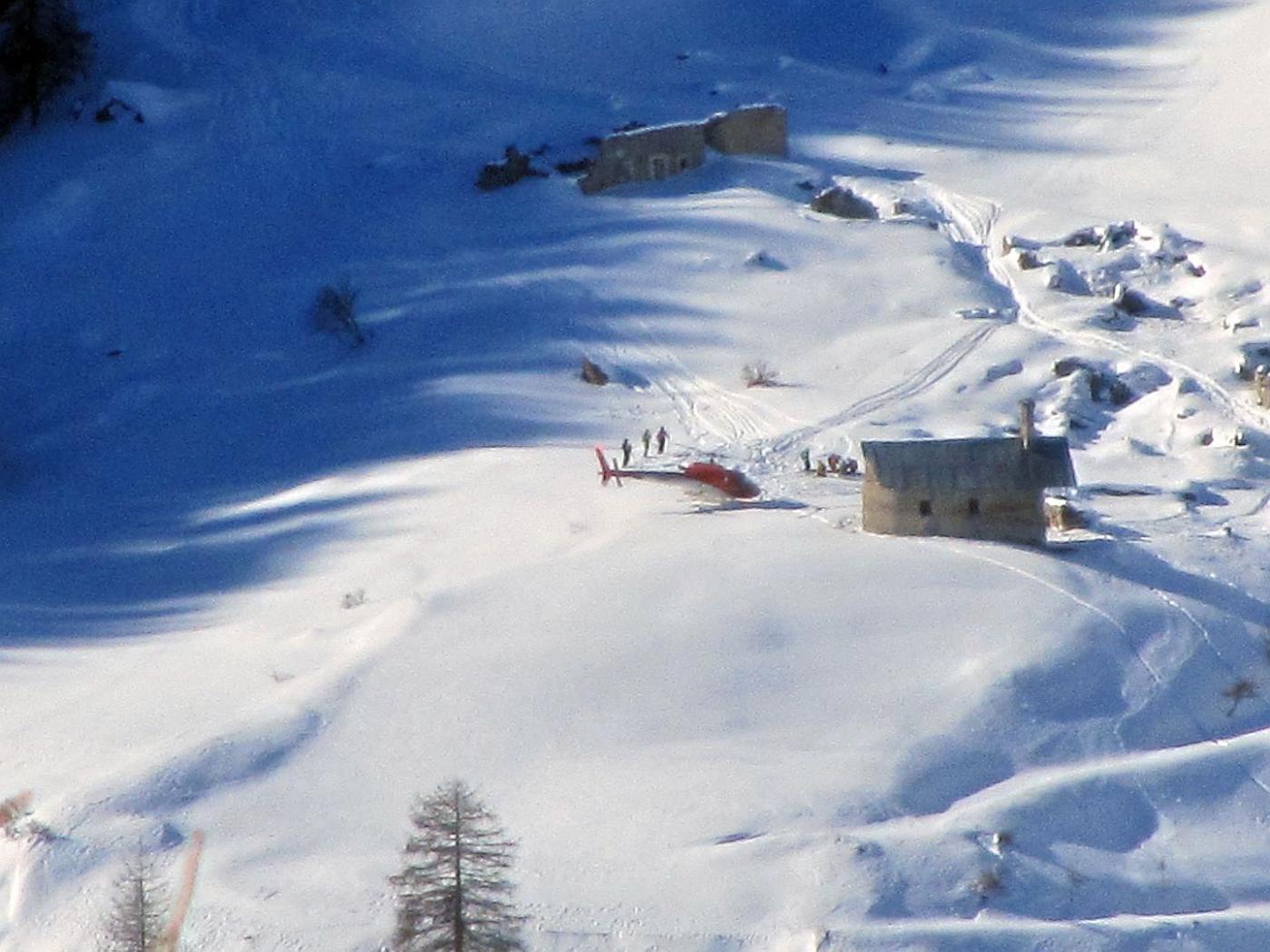 Soccorso alpino in soccorso allo Chabaud sul versante opposto della val di Thures