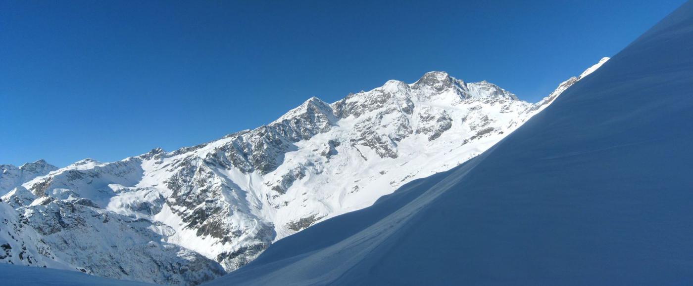 versante valsesiano del Monte Rosa dal colle