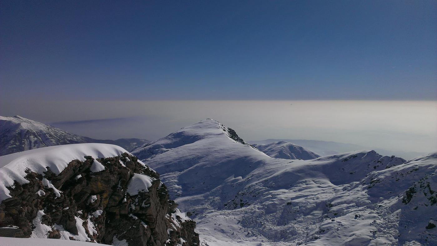 magica Valle Chiusella, Il Mont Lion domina la pianura nebbiosa