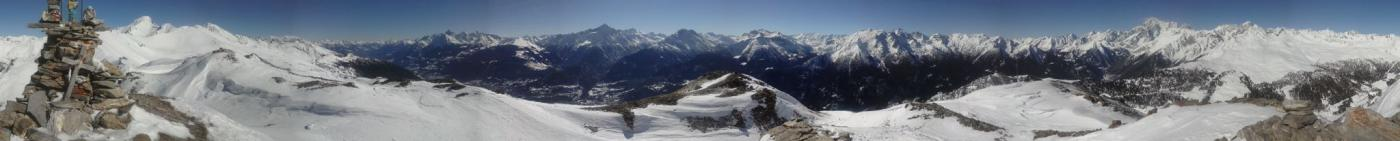 panorama a 360 gradi dalla Madonnina di vetta...