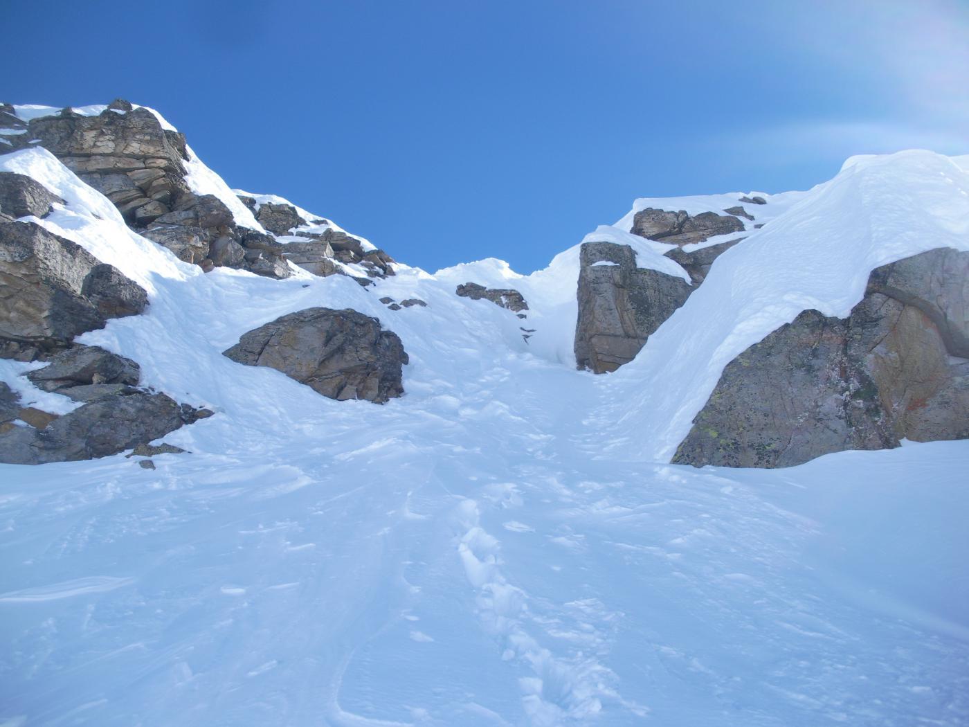 canalino di discesa..a meta cresta tra vetta e il Col di Nel..