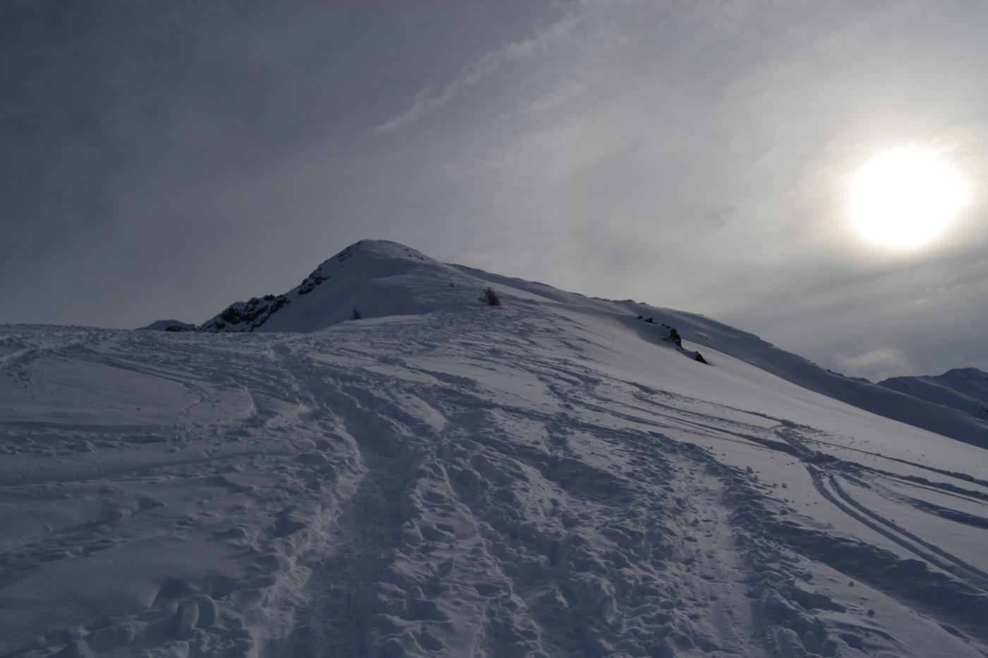 la cresta che porta in cima