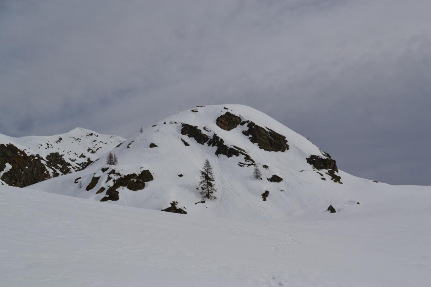 il rilievo tondeggiante del Mont Kick