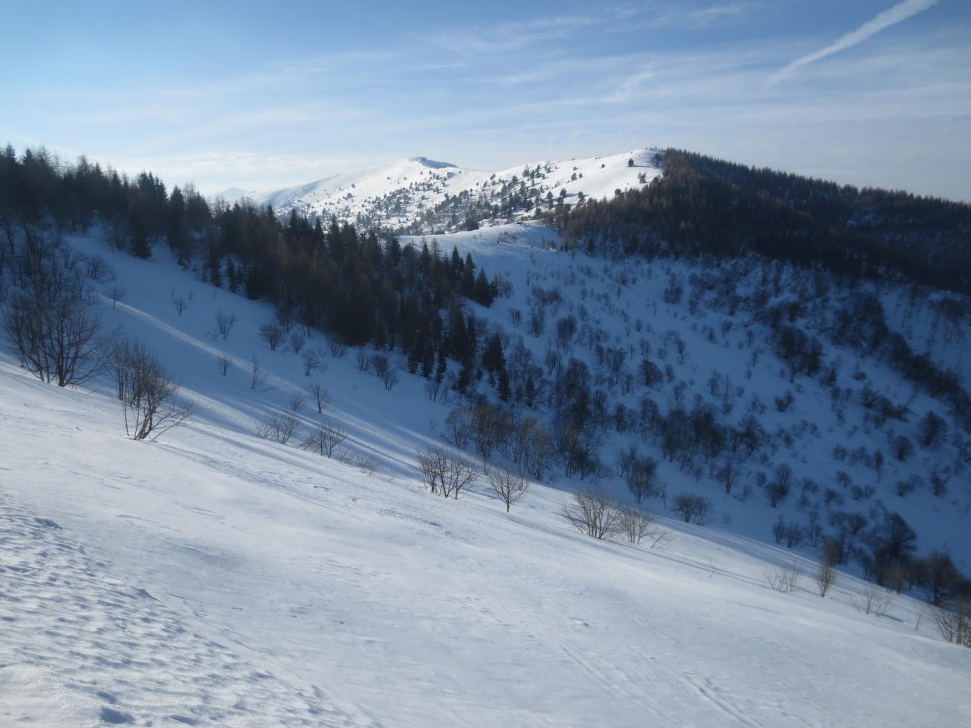 Monte Cornet (in fondo a sinistra) con la panoramica cresta che si percorre