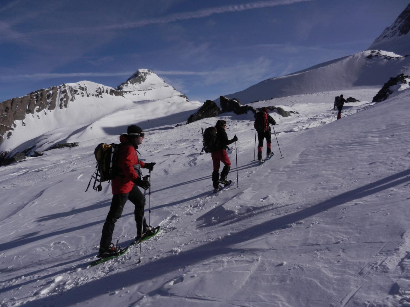 proseguendo il traverso che porta nella Chalti-Wassertalli