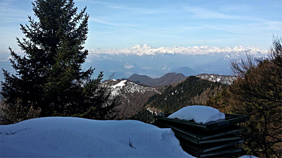 Smantellato il riflettore, bella vista verso il Rosa e monti vicini