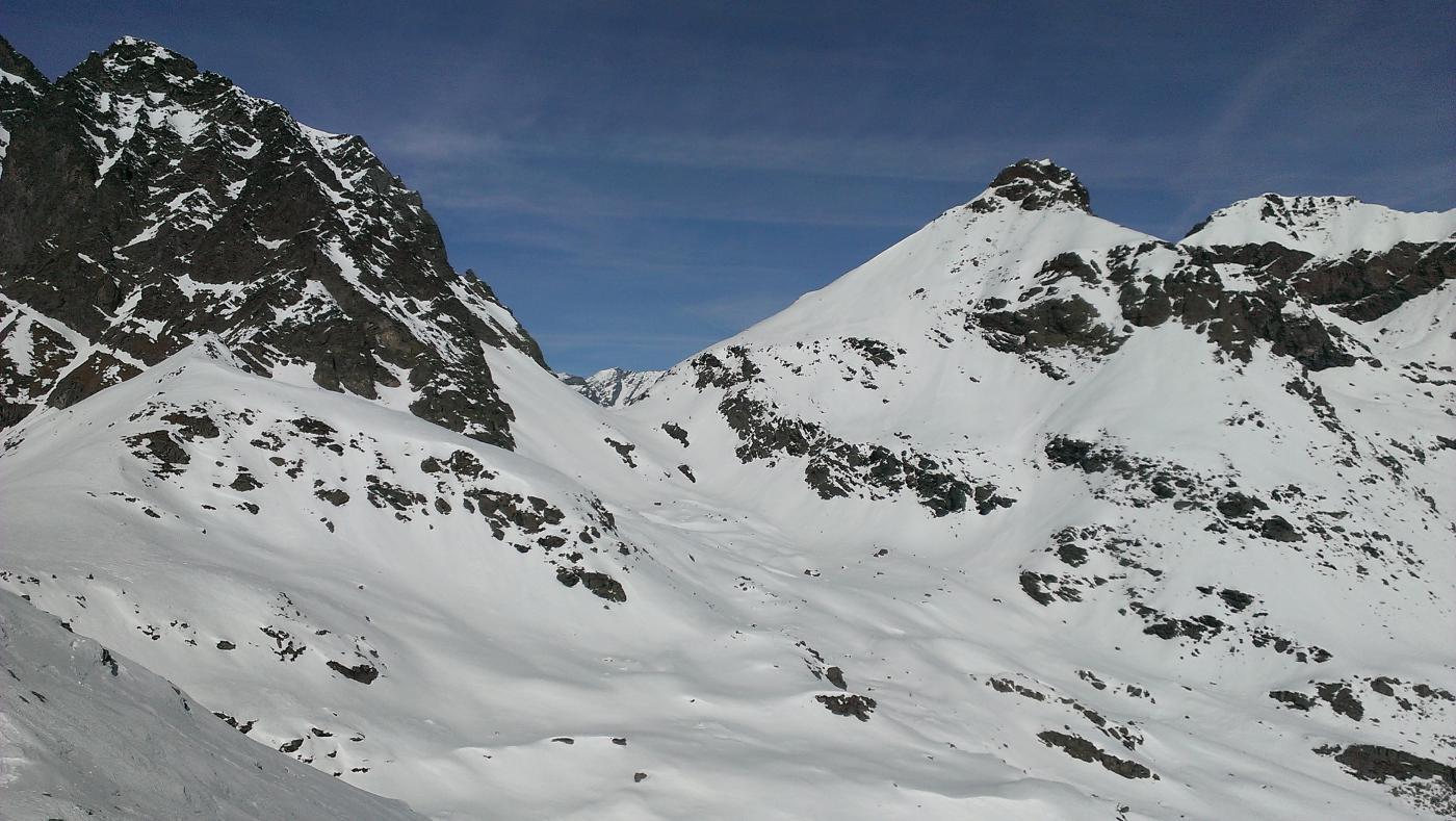 Dalla cima, Verso il passo Paschiet, classica della zona