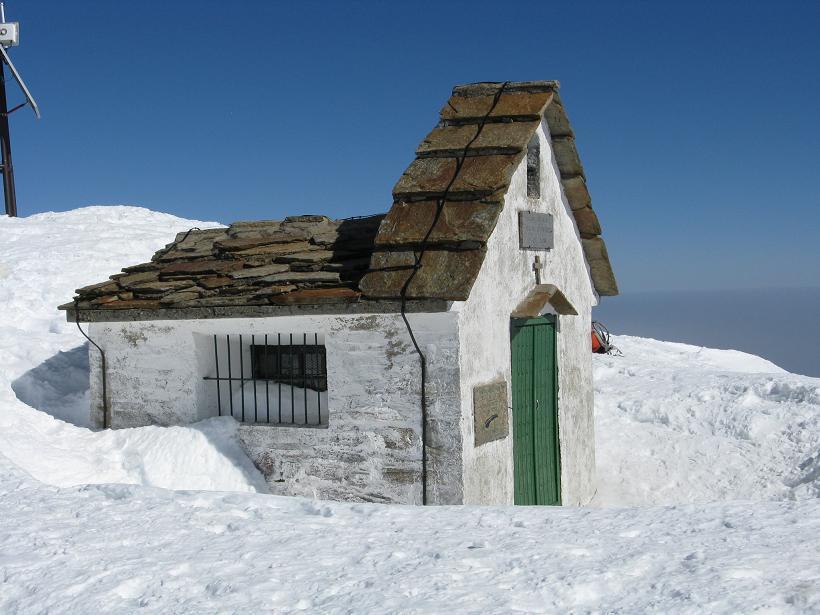 la chiesetta in cima