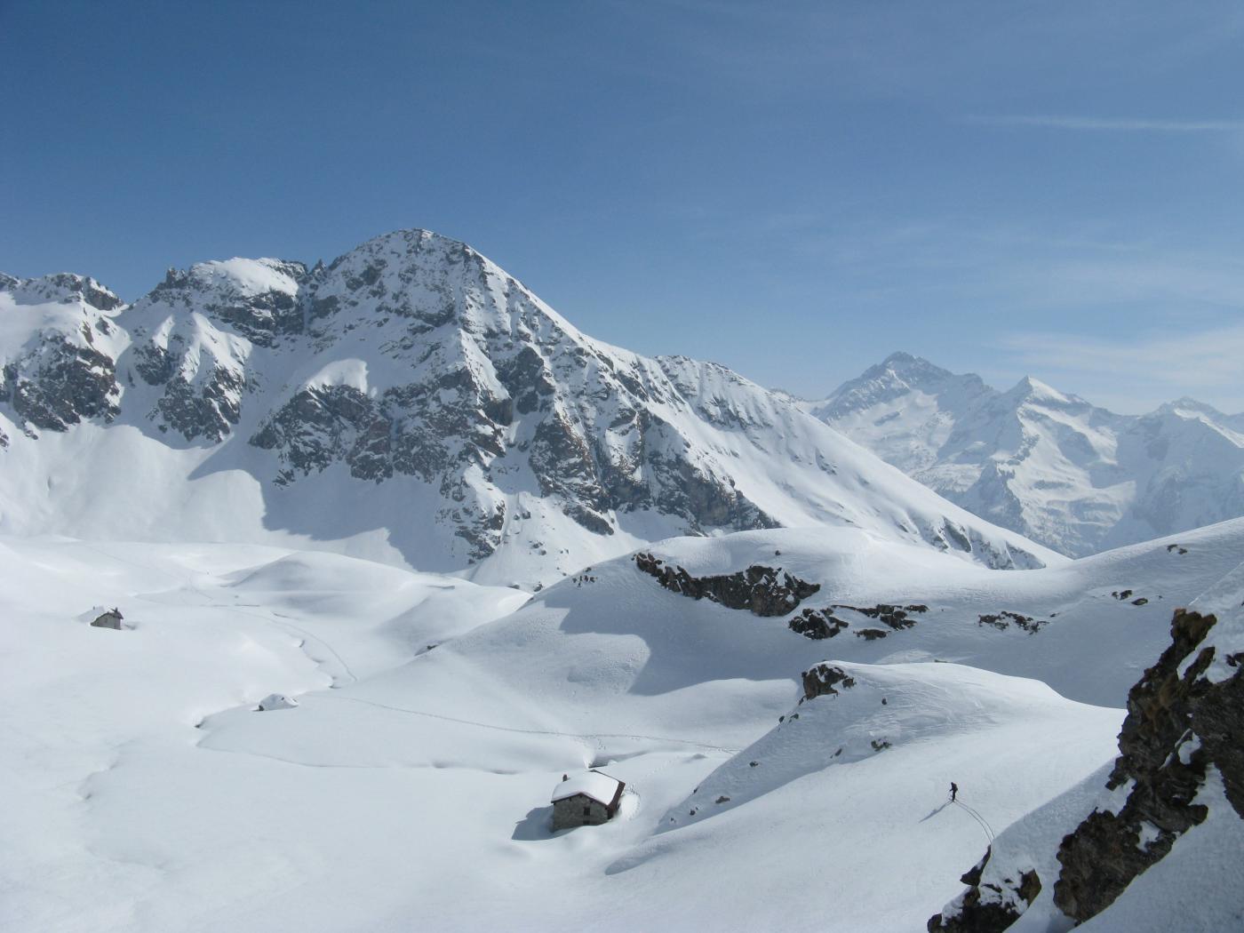 Il Bieteron e a dx il M.Nery dalle alpi Palasina scendendo..