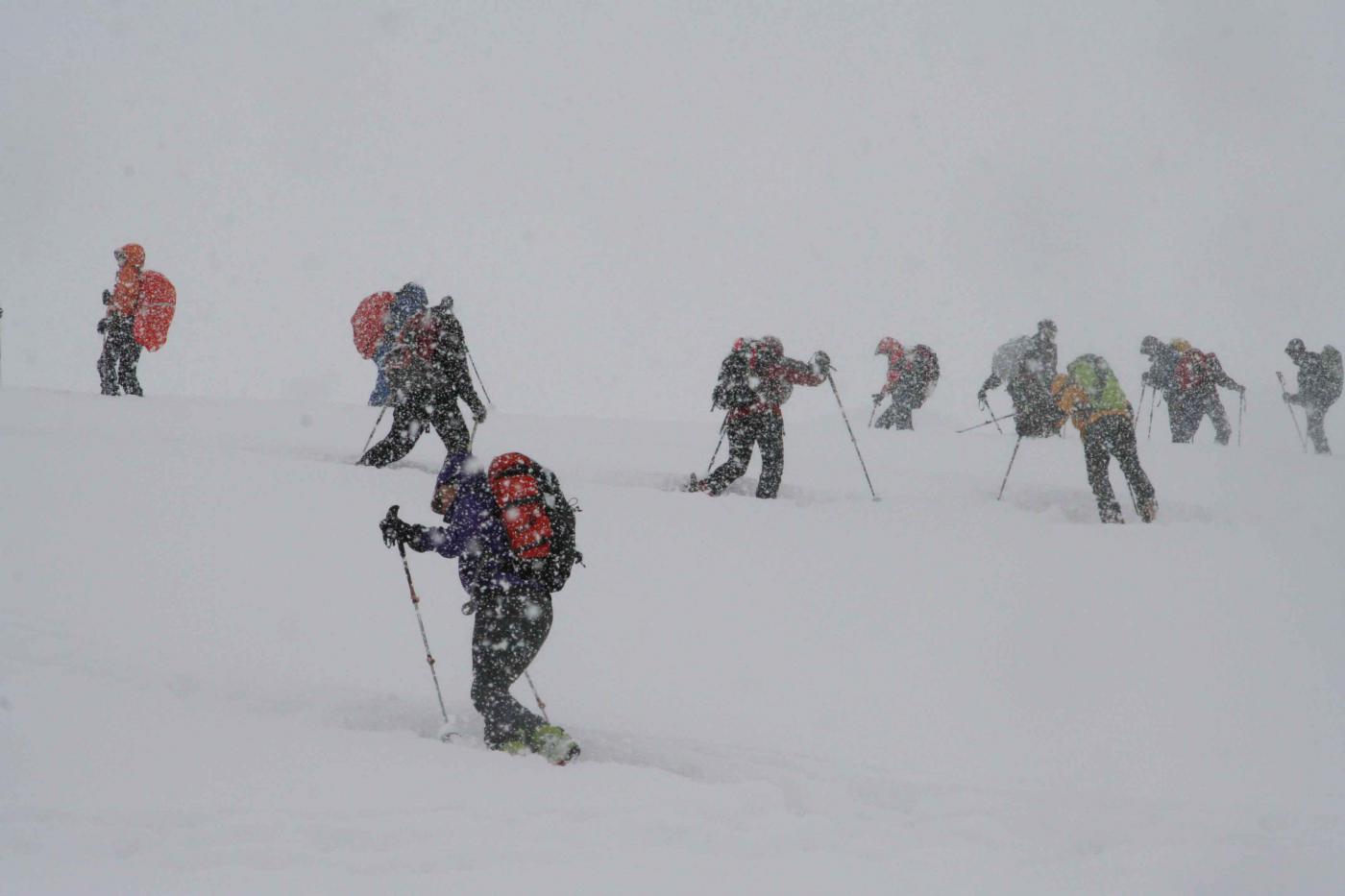 la salita, in piena nevicata