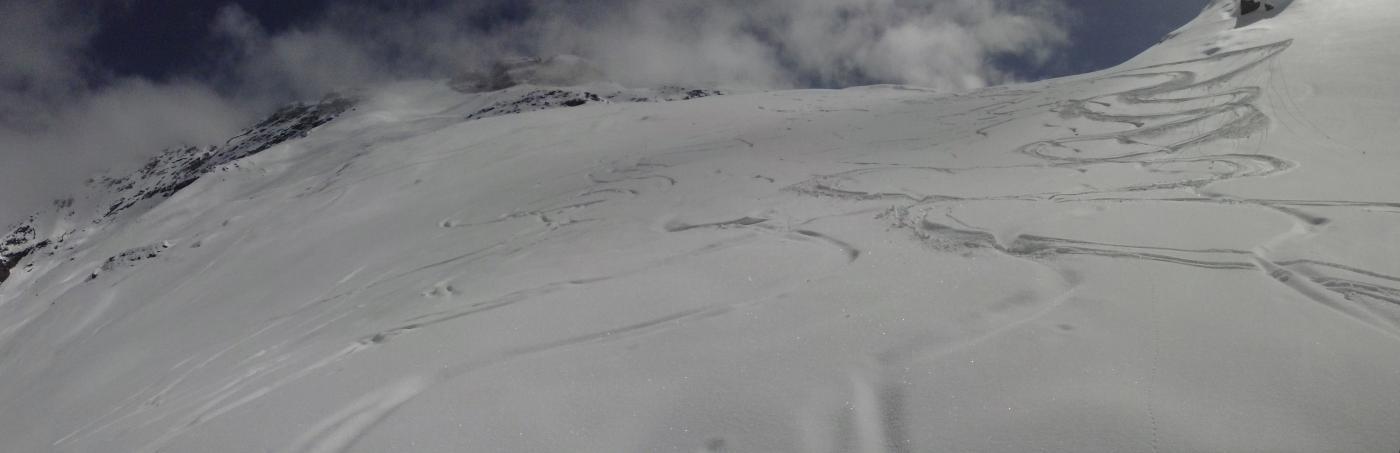 belle curve in discesa da quota 2600 metri...oltre il colle...