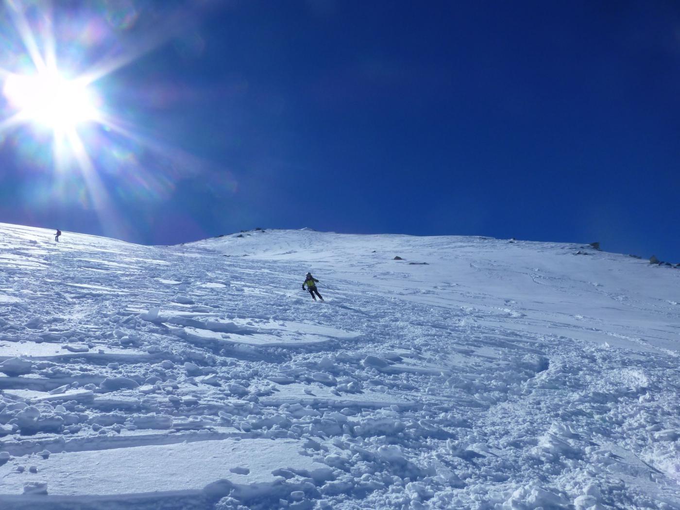 neve rotta e sciabile sopra il colle