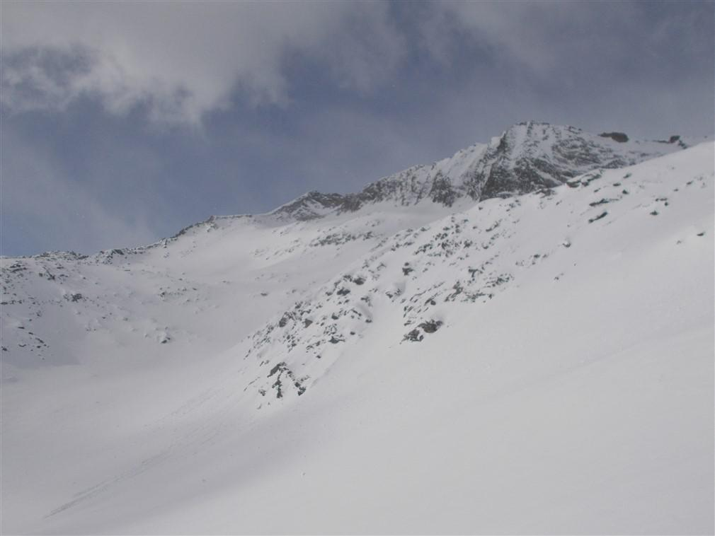 Il traverso sul versante svizzero che porta al Pizzo d'Antigine