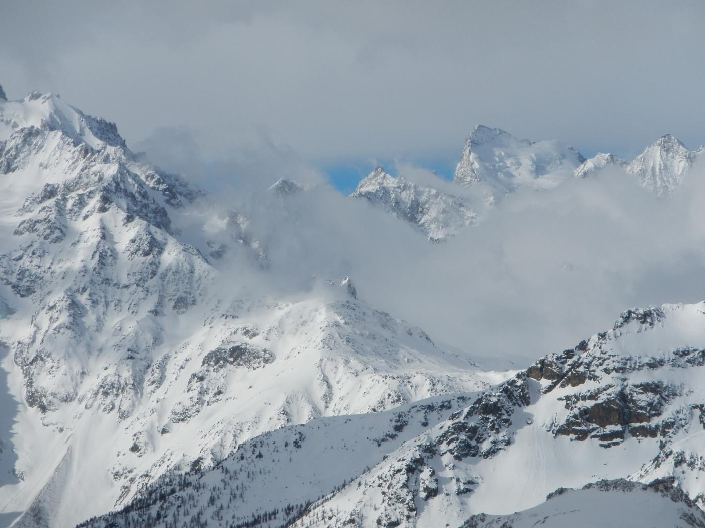 Chardonnet (Crete du) quota 2713 m da le Pont de l'Alpe, anello per i colli Aiguillette e Chardonnet 2015-04-04