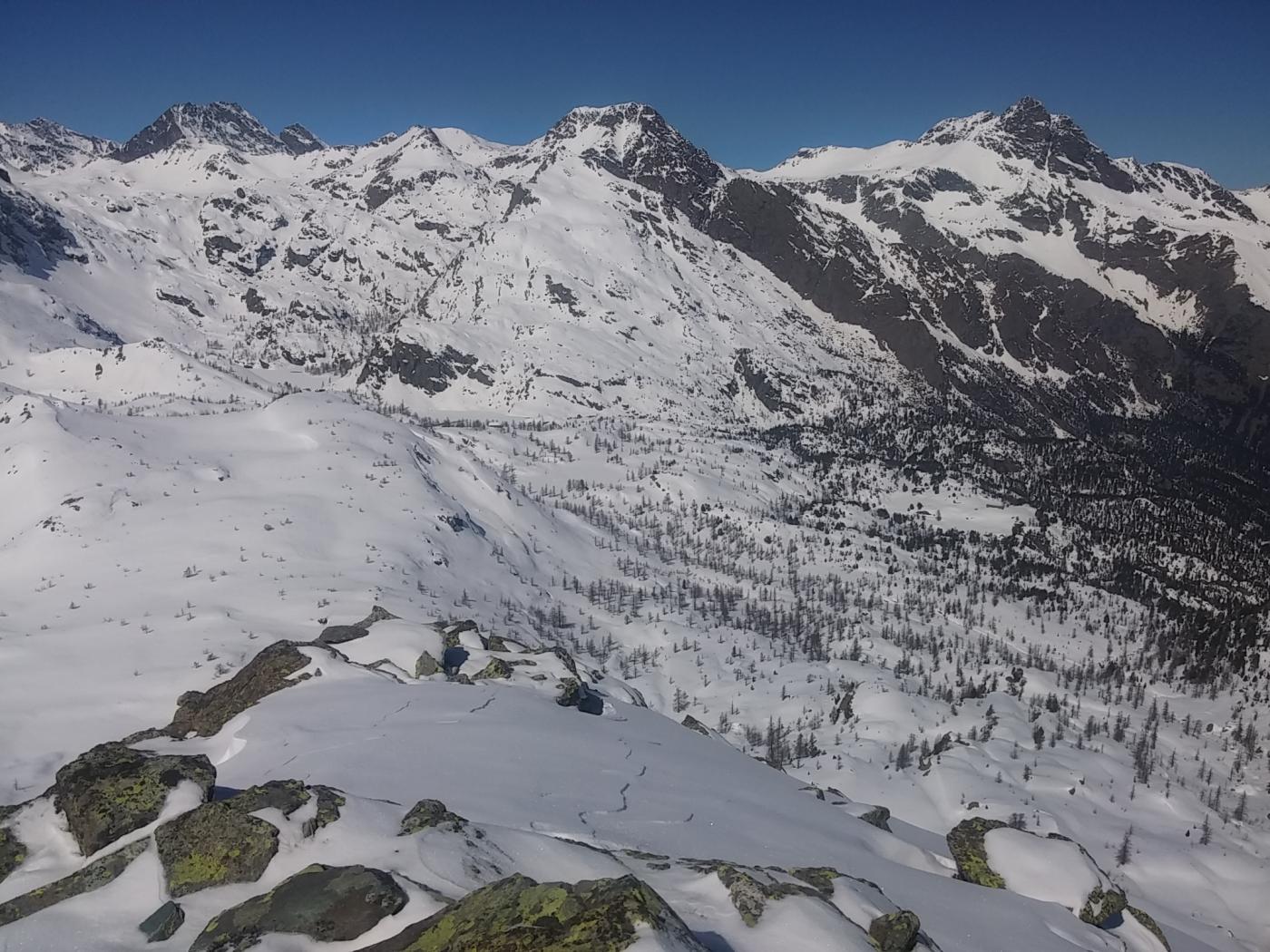 Mont Avic e rifugio Barbistel dalla Cima Piana
