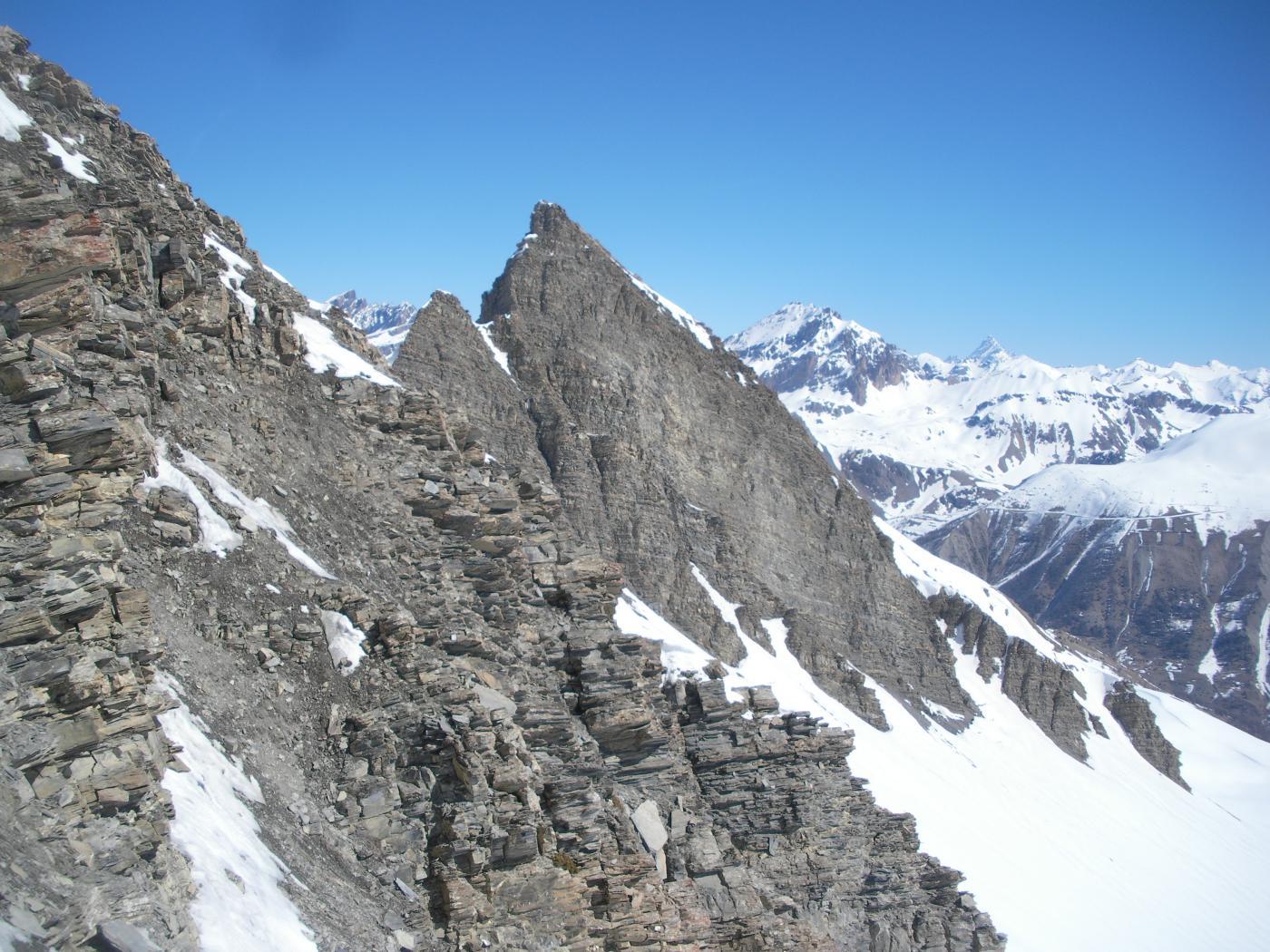 Il Pic du Chamois dalla cresta sud est al Bec d'Aigle..