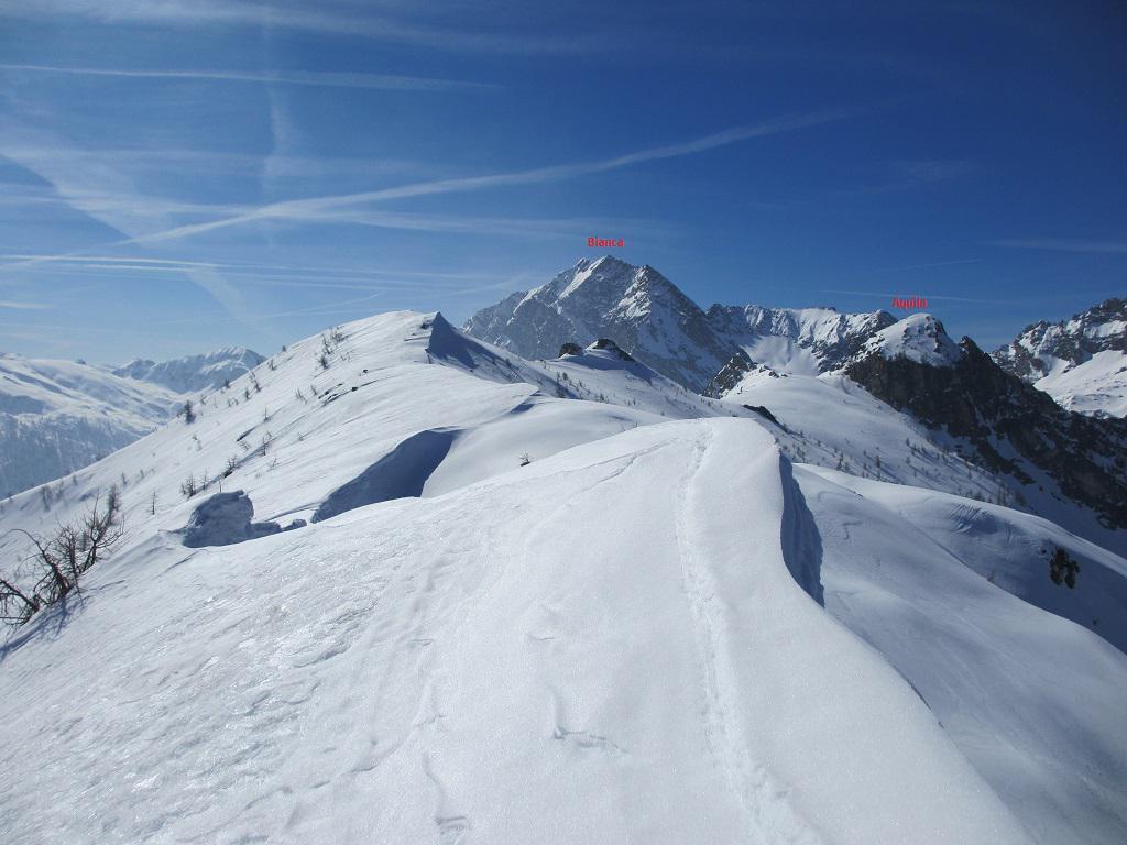 La lunga cresta con le cime Nord e Sud