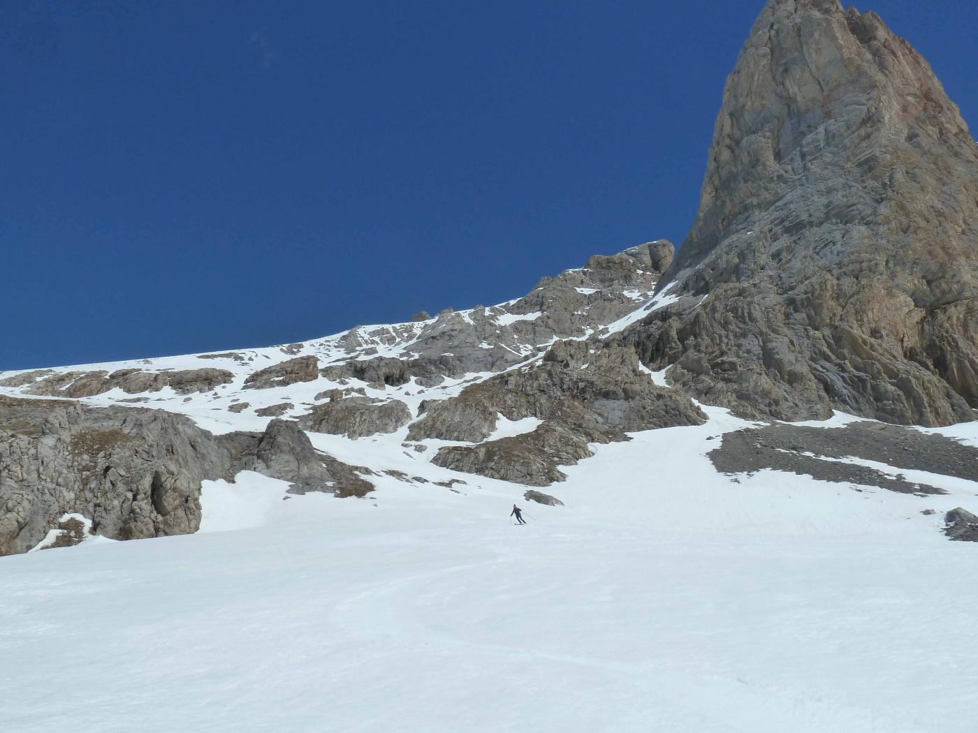 Alla base della Rocca Blancia