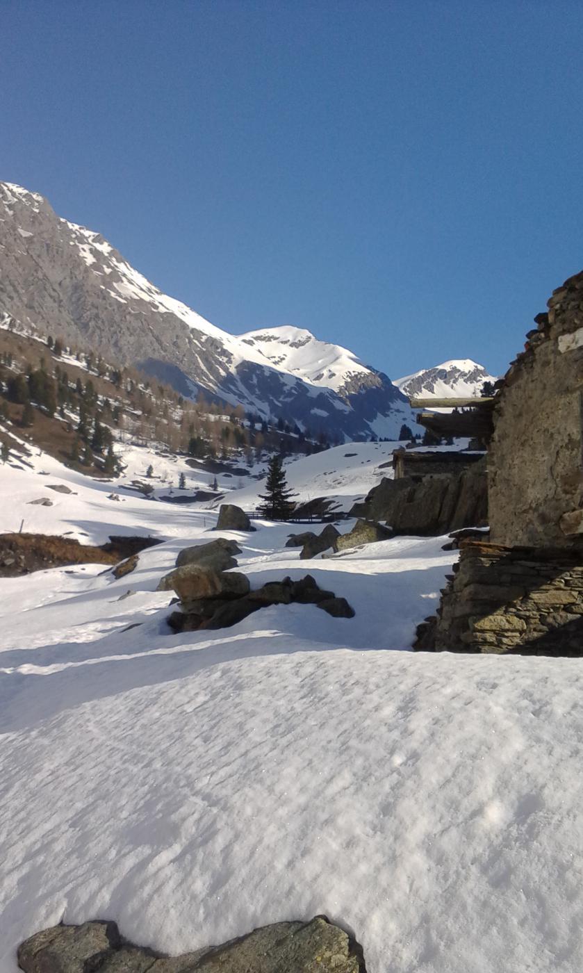 La tanta neve presente nel Vallone di Vallanta
