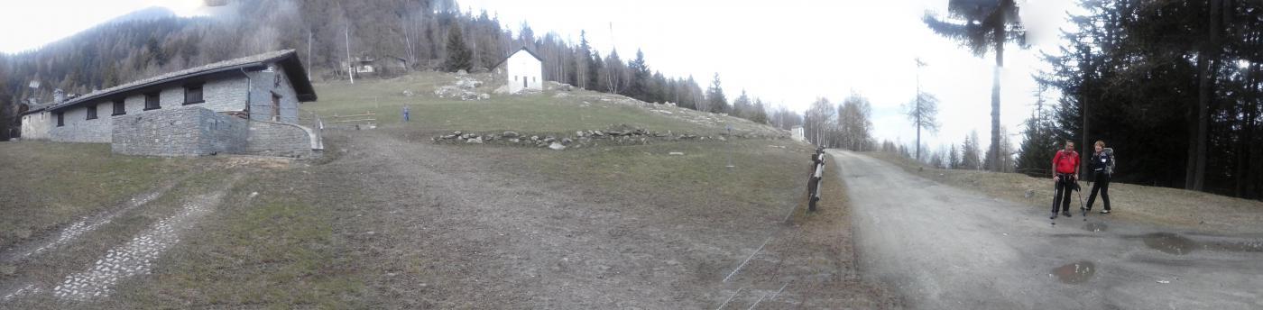 l'arrivo a Lazey all'uscita dal sentiero boschivo..