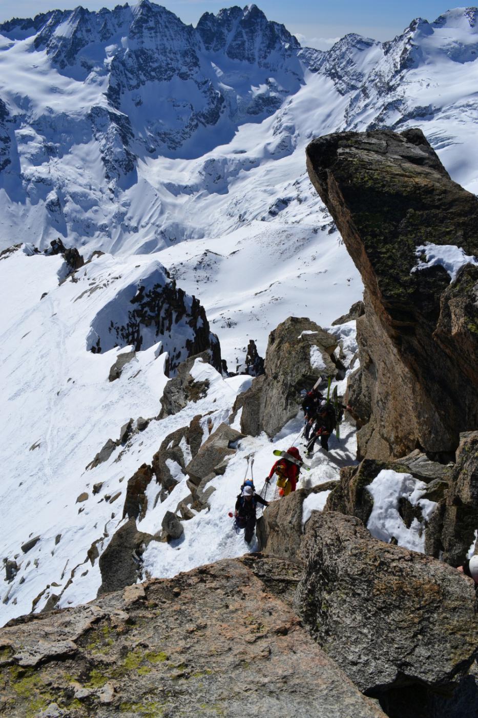 l'ultimo tratto roccioso visto dalla cima