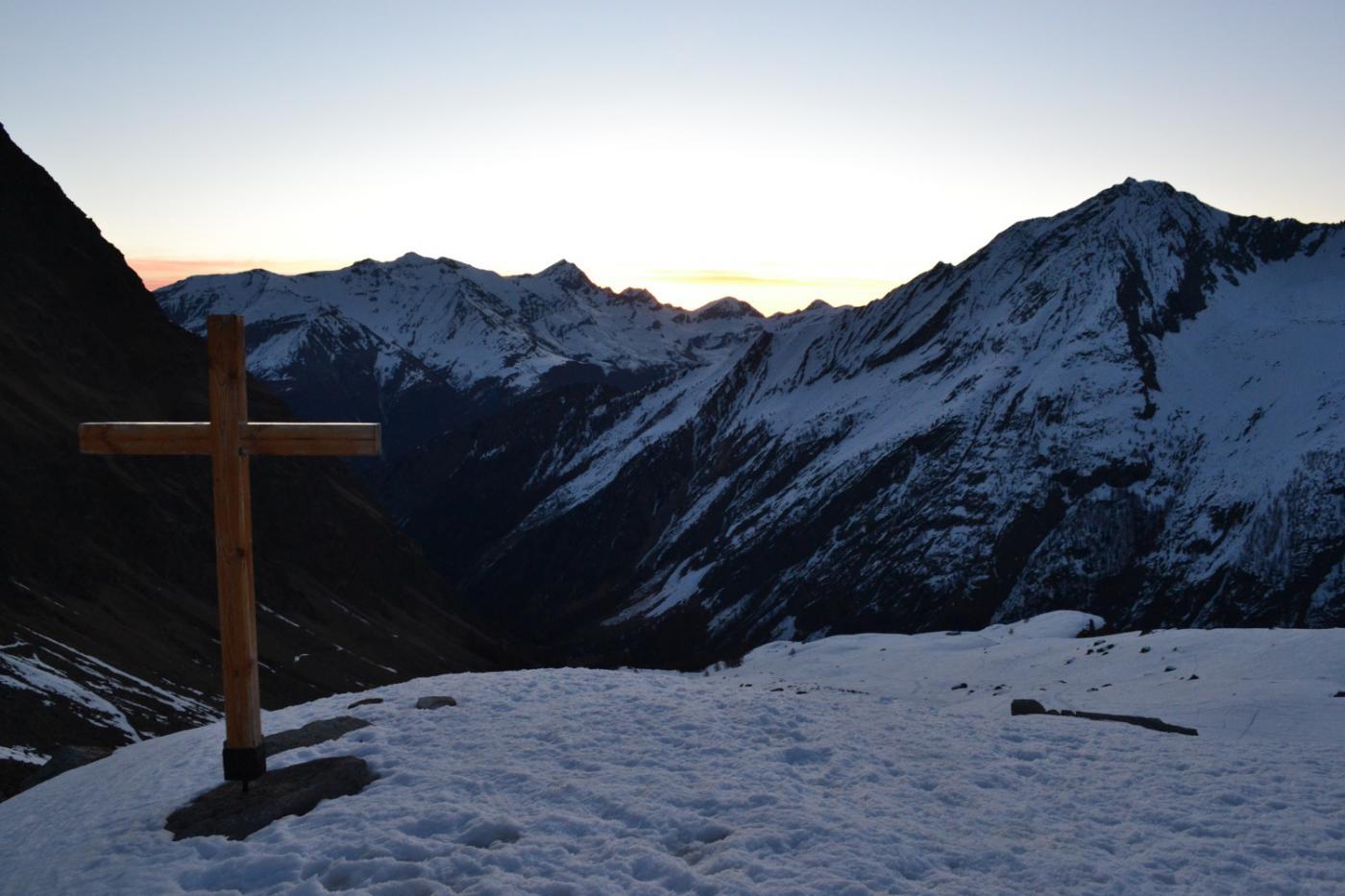 vista dall'alpeggio Grand Lauson (2495 m) verso il fondovalle
