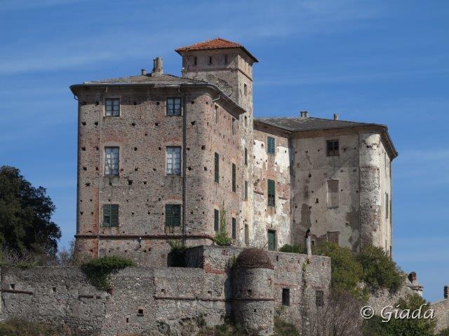 Il castello dei Del Carretto